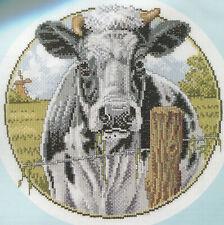 Stickpackung Stickbild sticken 31x31 cm Kuh Wiese Weide Bauernhof Kreuzstich