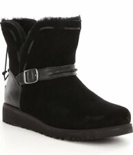 New with box UGG Austualia Big Girls Tacey Boots Youth size 4 Black