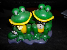 LARGE DOUBLE FROG CANDLE - VINTAGE COLLECTABLE - WHIMSICAL PAIR OF FROGS
