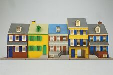 HO Scale Unknown Model Building LOT of 5 Row Houses Plastic Assembled