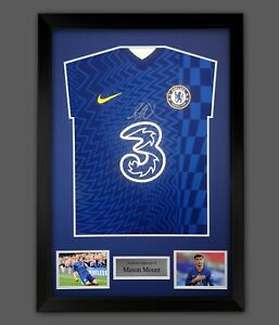 Mason Mount Signed Chelsea Fc Football Shirt In A Framed Presentation