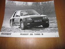 ORIG. Werksfoto Foto Peugeot 205 Turbo 16, 1984 - 3/4 von vorn in Fahrt, SELTEN!