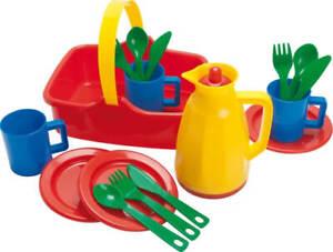 Dantoy 4248 Picknickkorb für 3 Personen, 18-teilig, aus Kunststoff, ab 3 Jahren