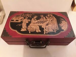 Lovely oriental boxed chess set , chess board