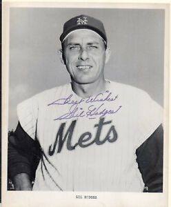 GIL HODGES, NEW YORK METS, Autographed Photo. Nicely signed.