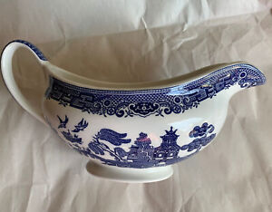 "Preowned Willow Porcelain Gravy Boat Made Johnson Bros. England Blue & White 8"""