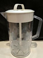 PAMPERED CHEF QUICK-STIR 2 QT PITCHER  USED CONDITION