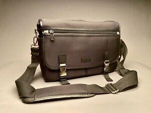 Nikon DSLR/ Laptop Shoulder Bag for DSLR, Lenses and Accessories Padded