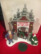 "(1) Department 56 / Heritage #56.58893 ""A Key To The City"" Christmas In The City"