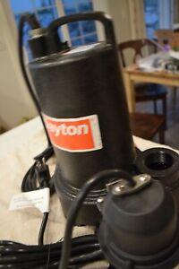 "Dayton 3/4 HP 1-1/2"" Submersible Sump Pump 3BB80 120V Ac Diaphragm Switch"