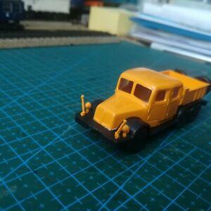 Camion tracteur poids lourds 1/87