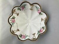 ANTIQUE NIPPON MORIMURA 3 FOOTED GILT BOWL  Hand Painted ROSES and GOLD LEAVES