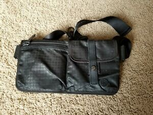 Lululemon Travel Pooch (Pouch). RARE. O/S