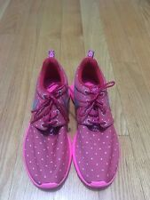 NWOB NIKE ROSHE ONE PRINT GS GIRLS YOUTH SHOES 677784 606 SIZE 6.5Y