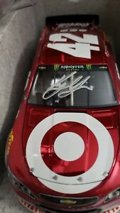 2017 KYLE LARSON #42 FACTORY AUTOGRAPHED COLOR CHROME TARGET 1 OF 12 PRODUCED