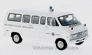 wonderful modelcar DODGE SPORTSMAN AMBULANCE SAN DIEGO 1970 - 1/43 - lim.ed.700