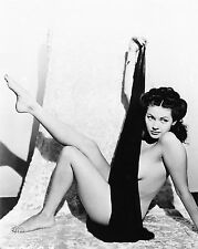 Yvonne De Carlo Unsigned 8x10 Photo (3)