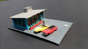 Vintage HO Train Drive-In Hamburger Stand Bachmann Hong Kong 7209 Corvette
