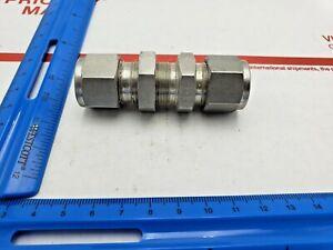 Swagelok SS-100-61 Stainless Steel Tube Fitting 1//16 Tube OD Bulkhead Union