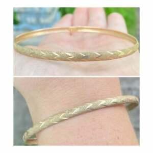 Vintage solid 10k yellow gold bangle bracelet