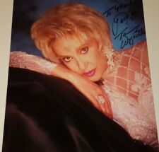 TAMMY WYNETTE / COUNTRY MUSIC LEGEND /  8 X 10  COLOR  AUTOGRAPHED  PHOTO