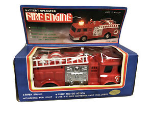 Battery Operated Fire Engine Siren Sound Bump and Go Action Flashing Light NIB