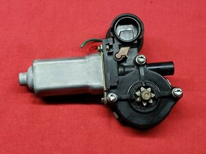 2002-2006 TOYOTA CAMRY FRONT RIGHT WINDOW MOTOR 85710-AA050 OEM.