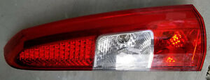 2005 to 2007 Volvo XC70 V70 Upper Right Passengers Side Taillight Tail Light