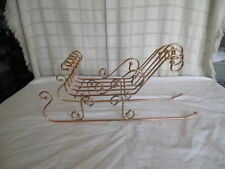 "Brass tone wire Santa sled 8 1/4"" tall"