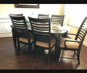Kincaid Dining Room Table and 6 Chairs and Kincaid Display China Cabinet with
