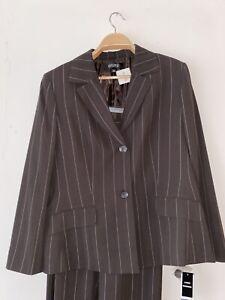 Kasper Women Suit 2 Pc Pants Blazer Pinstripe Pockets 2 Button Brown Size 18