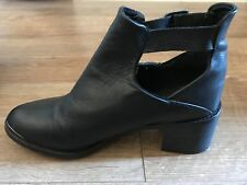 Topshop Black Leather Ankle Boots (SIZE 6) WITHOUT BOX