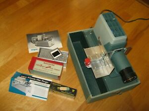 Vintage Argus 300 Automatic Slide Projector with Magazine for Aeroquipt