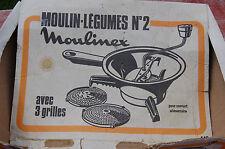 VINTAGE MOULIN A LEGUMES MOULINEX AVEC TROIS GRILLES -----//C36//