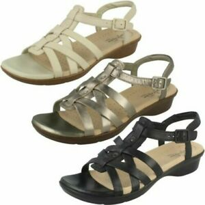 Ladies Clarks Open Toe Casual Buckled Leather Strappy Sandals Loomis Katey