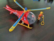 Simba 109251661 - Feuerwehrmann Sam Hubschrauber Wallaby, mit Tom Thomas Figur