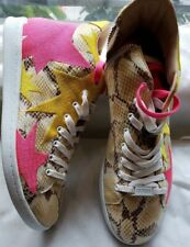 NEW Guess Python Print Yellow and Pink Stars High Top Sneakers Size EU39/US9