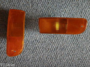 PORSCHE 993 1994 FRONT OEM DIRECTIONSAL INDICATOR LIGHT COVES RIGHT & LEFT