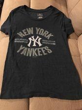 MLB Genuine Merchandise New York Yankees Women T-Shirt Size Small