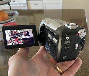 Panasonic SDR-H40P Hybrid Camcorder - silver, works gr8, (bundle:cords,bag,chgr)