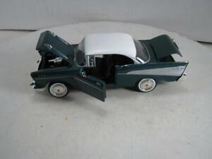 1/24 Scale Motormax 1957 Chevy