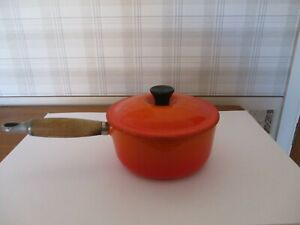 LE CRUESET 16CM RED SAUCEPAN WITH LID GOOD CONDITION