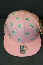 pink New York Yankees ladies / women's fitted hat / cap (NWT) - 7 1/2