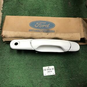 95-99 Ford Windstar Doorhandle White