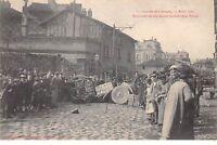 87 .n° 109076. limoges . greve 15 avril 1905 .barricade elevee davant la fabriq