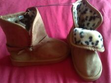girls brow winter boots new. Infant size 5