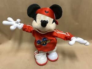 DISNEY MASTER MOVES RAPPING DANCING MICKEY MOUSE W5129