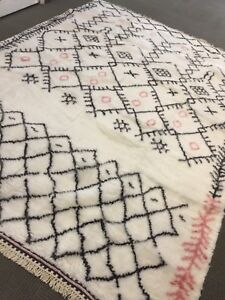 Spectacular Hand Knotted Beni Ourain Moroccan Area  Rug 7' X 10' Shaggy Wool New