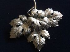 VTG TM 1/20 12KT GF WHITE GOLD COLOR METAL MAPLE LEAF  PIN BROOCH