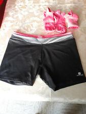 ensemble de sport femme (short, tee shirt et 2 paires de socquettes)
